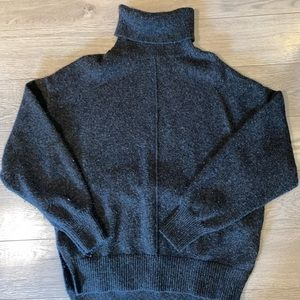 H&M long sleeve turtle neck sweater